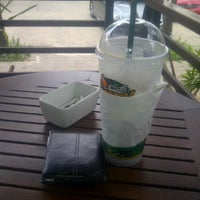 Photo taken at Café Amazon by artjima k. on 1/21/2012