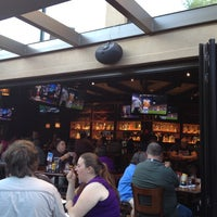 Das Foto wurde bei Blazing Onion Burger Company von roger m. am 8/4/2012 aufgenommen