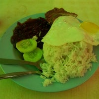 Photo taken at Nasi Kandar Padang Kota by Wan E. on 9/16/2011