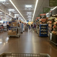 Снимок сделан в Walmart Supercenter пользователем Karyn J. 6/22/2011