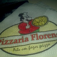 Photo taken at Pizzaria Florença by Ronaldo M. on 11/14/2011