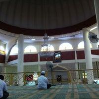 Photo taken at Masjid Al-Muttaqin Wangsa Melawati by Ridzuan A. on 10/7/2011
