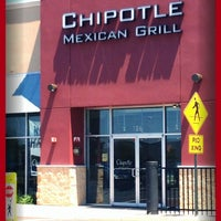 Photo taken at Chipotle Mexican Grill by Marie D. on 6/16/2012