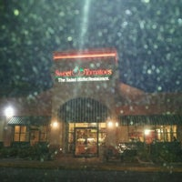 Photo taken at Sweet Tomatoes by Melyssa K. on 1/28/2012