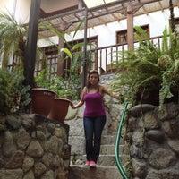Foto tomada en Gringo Bill's Hotel por Rodrigo Z. el 8/6/2012