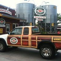 Photo taken at Kona Brewing Co. & Brewpub by Sally M. on 3/12/2011