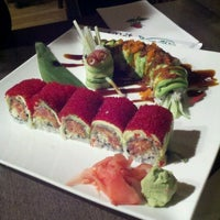 Photo prise au Wasabi Japanese Restaurant par Leigh A. le1/19/2012