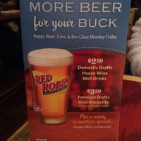 Photo taken at Red Robin Gourmet Burgers by David M. on 8/2/2012