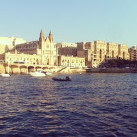 Photo prise au Gardens Sliema Sea Front par Stefano M. le8/18/2012
