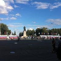 Снимок сделан в Площадь Ленина пользователем Dmitry F. 7/21/2012