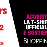 Photo taken at Edicola Largo Carlo Goldoni by QVC Italia - Il canale per chi ama lo shopping on 9/6/2012