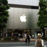 Photo taken at Apple Store by Fairuz Z. on 7/1/2012