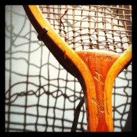 Das Foto wurde bei Wimbledon Lawn Tennis Museum von Richard H. am 4/21/2012 aufgenommen