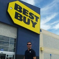 Photo taken at Best Buy by Marcus P. on 6/19/2012