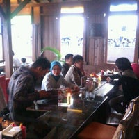 Photo taken at Lisung The Dago Boutique Resto by iwriduan n. on 8/24/2011