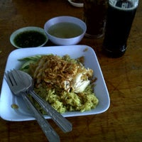 Photo taken at ร้านบารอกัต by YAZpawin W. on 9/22/2011