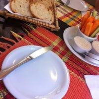 Foto tirada no(a) Restaurante das Artes por Ricardo C. em 4/17/2012