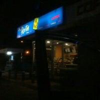 Foto tomada en Copec (avda Colocolo) por mario c. el 8/2/2012