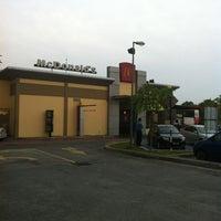 Photo taken at McDonald's by Abdul Ghafur Ramadhan M. on 8/27/2012