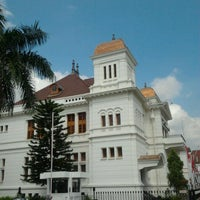 Photo taken at Gedung Heritage Bank Indonesia Yogyakarta by Adriyanto M. on 9/11/2012