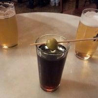 Foto tomada en Bar Bodega Quimet por Rachel M. el 10/29/2011
