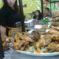 Photo taken at Warung Lalapan Lina by VianSv V. on 3/10/2012