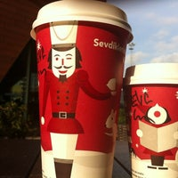 11/21/2011 tarihinde Elif G.ziyaretçi tarafından Starbucks'de çekilen fotoğraf