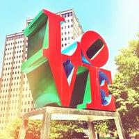 5/29/2012 tarihinde Nick B.ziyaretçi tarafından JFK Plaza / Love Park'de çekilen fotoğraf