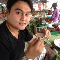 Photo taken at Talard Kong Khong by Sompob Krab L. on 1/28/2012