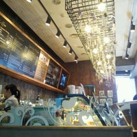 รูปภาพถ่ายที่ Caffé bene โดย Park J. เมื่อ 2/11/2012