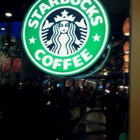 Photo taken at Starbucks by Doni T. on 2/4/2012