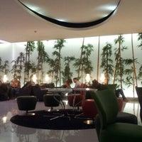 Photo taken at Lounge ANA by Antonio C. on 8/13/2012