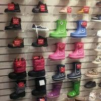 Photo taken at Kids Foot Locker by evetta g. on 2/9/2012