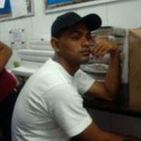 Photo taken at Burger King by deywi g. on 8/26/2011