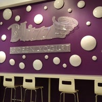 Photo prise au Blizz Frozen Yogurt par Michele W. le11/7/2011