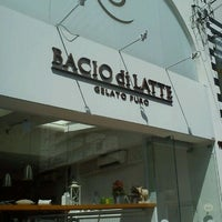Foto tomada en Bacio di Latte por Wagner T. el 1/2/2012