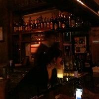 Foto tirada no(a) Charlie Brown's Bar & Grill por Devany M. em 10/10/2011