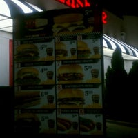 Photo taken at Steak 'n Shake by Roderique on 3/16/2012