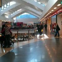 Das Foto wurde bei Rheinpark-Center von Svenja B. am 10/24/2011 aufgenommen