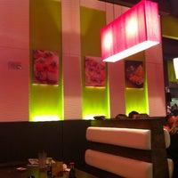 Photo taken at Mio Sushi by Kathy 👩🏻💻 L. on 11/17/2011
