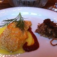 Das Foto wurde bei Mazza Restaurant von Blue J. am 4/29/2012 aufgenommen