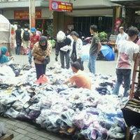 Photo taken at Pasar Baru (Passer Baroe) by Rafael E. on 1/15/2011