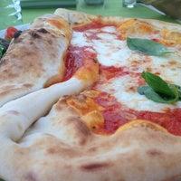 Снимок сделан в Pizzeria Regina Margherita пользователем Julia 7/12/2012