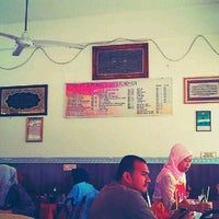 Photo taken at Restoran Sri Mariana by Reborn B. on 3/7/2012