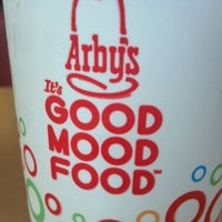 Photo taken at Arby's by Eli Z. on 10/22/2011