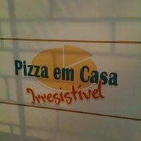 Photo taken at Pizza em Casa by Vivian S. on 10/19/2011