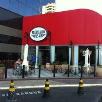 Foto tirada no(a) Mercado 153 por Seidi M. em 8/2/2011