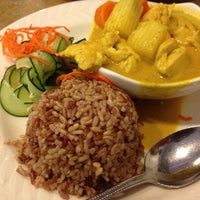Photo taken at Lotus Thai Bistro by Nelson B. on 11/15/2011