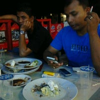 Photo taken at Ayam Lepaas by Agoes P. on 4/4/2012