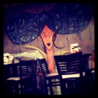 Foto tirada no(a) Yoi! Rolls & Temaki por Daniele B. em 3/15/2012